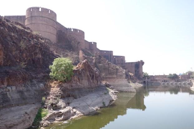 La citadelle Mehrangarh à Jodhpur dans le rajastan est sans aucun doute le plus beau chateau de l'etat à visiter d'urgence photo blog voyage tour du monde https://yoytourdumonde.fr