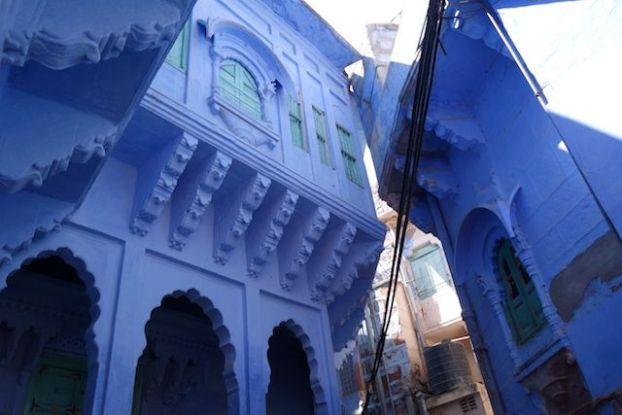 La vieille ville bleue de Jodhpur est un endroit magnifique que les touristes aiment visiter. De nombreux temples, des boutiques et un superbe labyrinte.