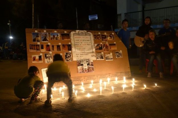 bougie en guise de solidarité à Darjeeling en Inde photo blog voyage tour du monde https://yoytourdumonde.fr