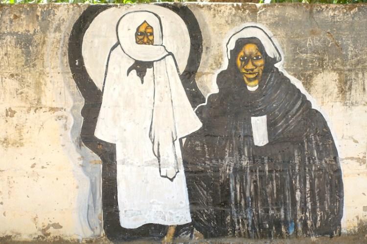 La ville de Thiès au Sénégal mérite très largement une journée entière pour la visiter photo blog voyage tour du monde https://yoytourdumonde.fr