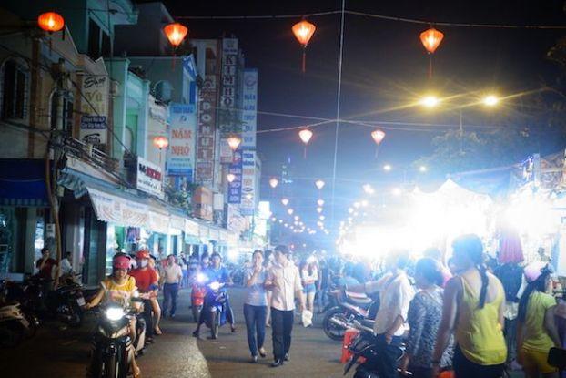 Entre hotels et delta du mekong can tho est une ville ou vous allez trouvé de nombreux hotels blog tour du monde https://yoytourdumonde.fr