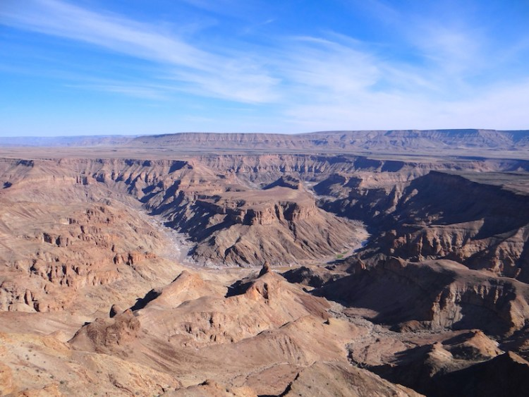 Beauté du Fish River Canyon en Namibie photo blog voyage tour du monde travel https://yoytourdumonde.fr