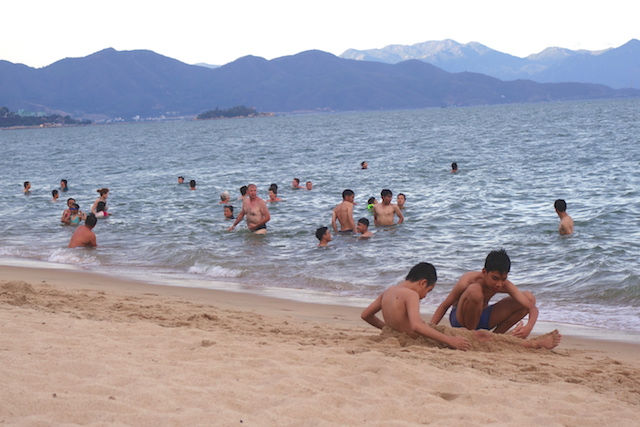 A Nha Trang au Vietnam vous pouvez faire de la plongée, du snorkeling ou autres photos blog voyage tour du monde https://yoytourdumonde.fr