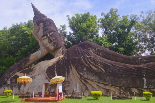 Vientiane laos bouddha parc photo blog tour du monde https://yoytourdumonde.fr