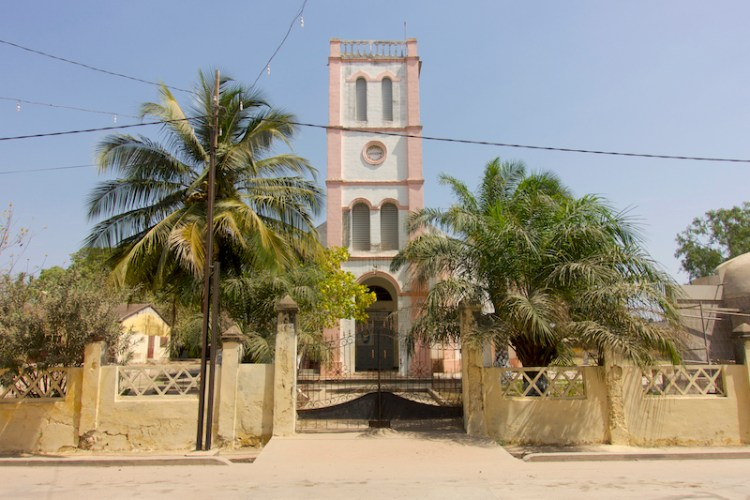 Cathédrale de ziguinchor photo blog voyage tour du monde https://yoytourdumonde.fr
