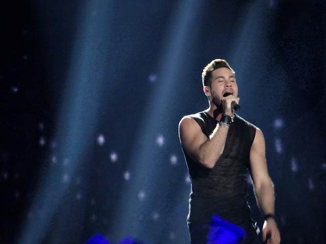 Le show de l'eurovision commencera avec le tres beau representant d'Israel photo blog voyage tour du monde https://yoytourdumonde.fr
