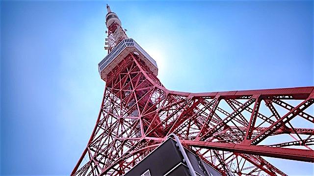 La petite soeur de la Tour Eiffel se trouve à Tokyo. Photo blog voyage tour du monde https://yoytourdumonde.fr