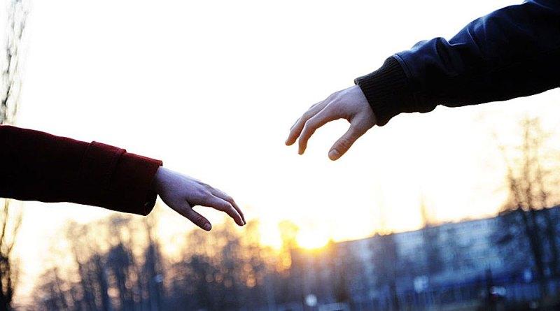 Terpaksa Ceraikan Istri Tercinta Setelah Tahu Positif HIV