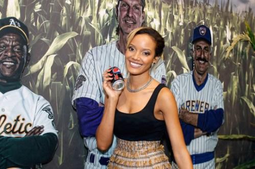 selita solo1 - Recap: Selita Ebanks at Pepsi MAX All-Star Game