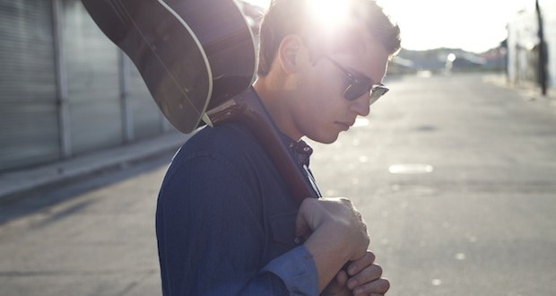 Jonathan Mannion.ShoulderGuitar - YRB Interview: Cris Cab