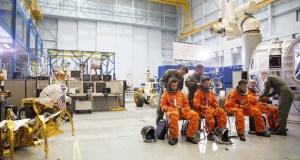 1direction - One Direction - Drag Me Down @onedirection @NASA_Johnson @AstroRobonaut #Nasa