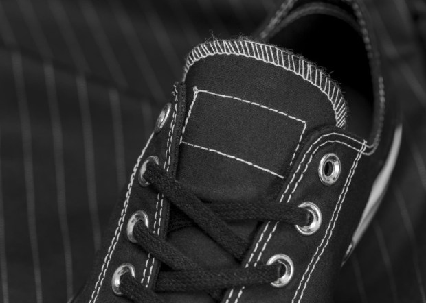 156452C Fragment Black 04 Tongue Detail rectangle 1600 920x657 - #STYLEWATCH: @Converse and Fragment Design Collaborate on Chuck '70 Collection #ForeverChuck