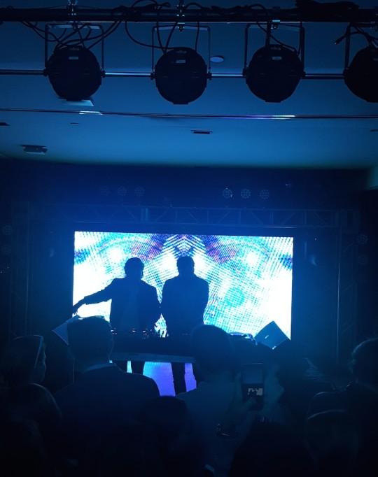 20170525 193851 540x682 - Axwell /\ Ingrosso Robin Hood Rocks Performance / Interview at Kola_House @Axwell @Ingrosso @RobinHoodNYC @iHeartRadio #RHRocks