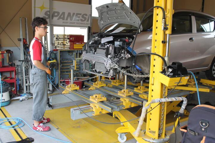 車のフレーム歪の修理