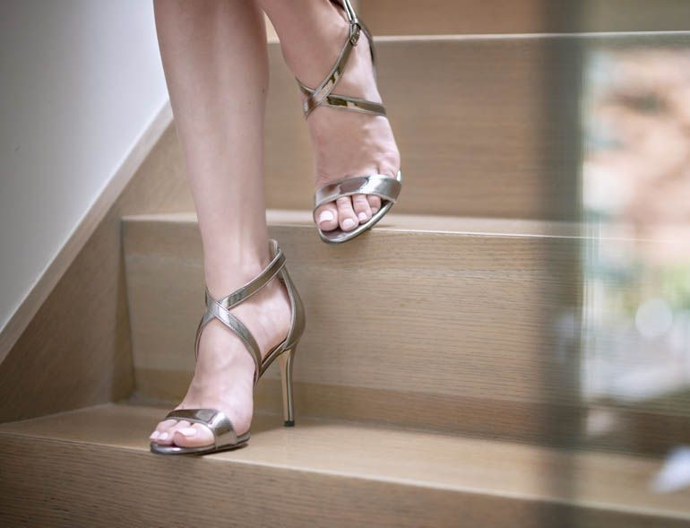 How to Make Heels More Comfortable – 10 Handy High Heel Hacks