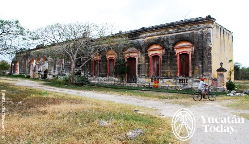 Hacienda-Ake by Juan Manuel Mier y Teran