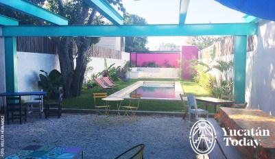 La-Calle-Spanish-School-pool-piscina