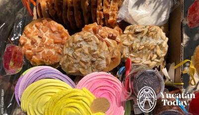 Merengue-Dulce-de-Coco-Pepita-Paleta-Dulces-Playa-Coconut-Sweets-by-Andrea-MyT