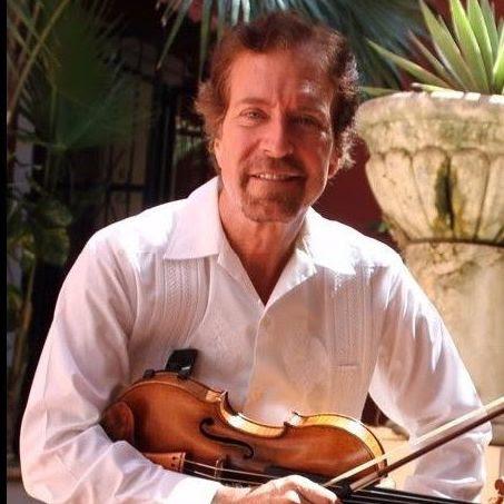 Concierto de trío de cuerdas con Christopher Collins Lee y amigas @ Hacienda Santa Cruz Palomeque