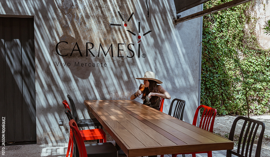 Plaza Carmesí: A Meeting Place for Everyone