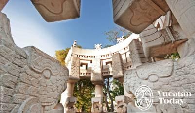 Parque de las Américas fuente cerca by Juan Manuel Mier y Terán