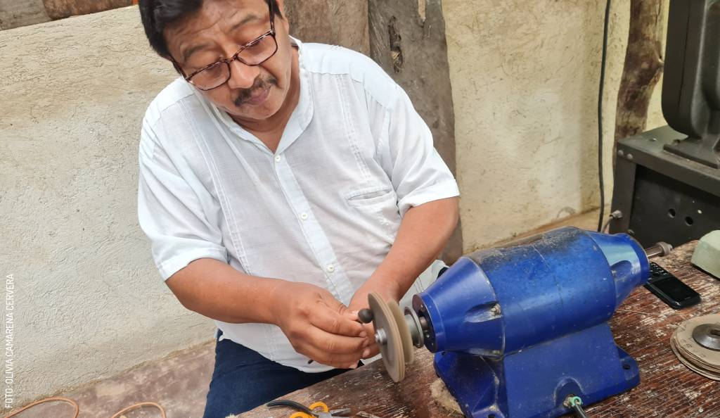 Don Esteban Abán, Sustainable Jeweler of Cocoyol and Henequén