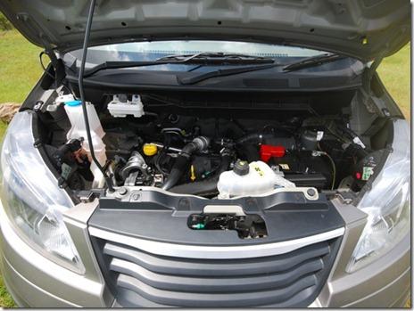 ashk-leyland-stile-first-drive-mpv-new-car-image-pic-photo-evalia-based-13102013-m10_560x420