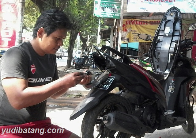 Ilmu bengkel yang perlu dipelajari oleh pengendara motor pria