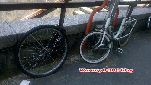 sepeda dicuri