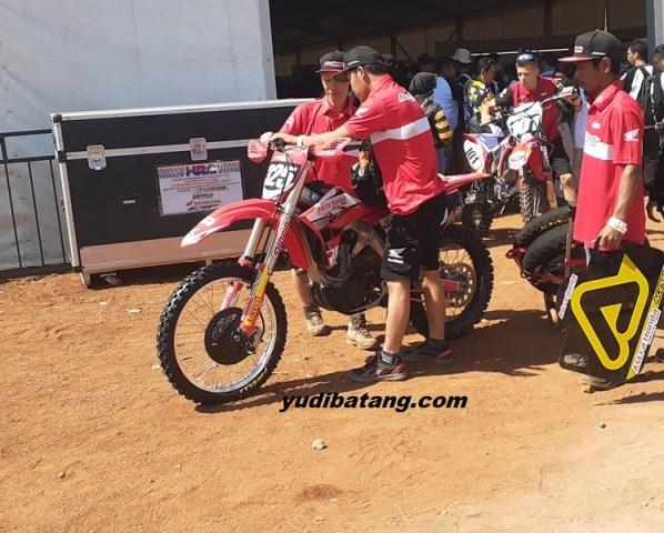 motocross Astra Honda Racing
