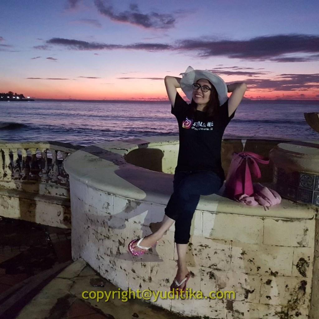 sunset di pantai marbella anyer