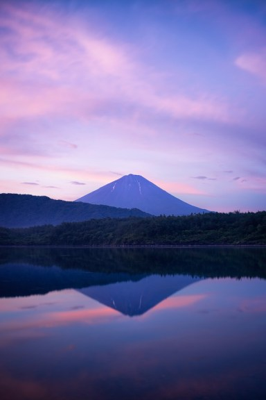 Yuga Kurita Lake Saiko Mount Fuji Reflection_KE06536