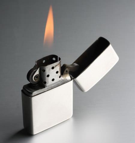 オイルライターの炎