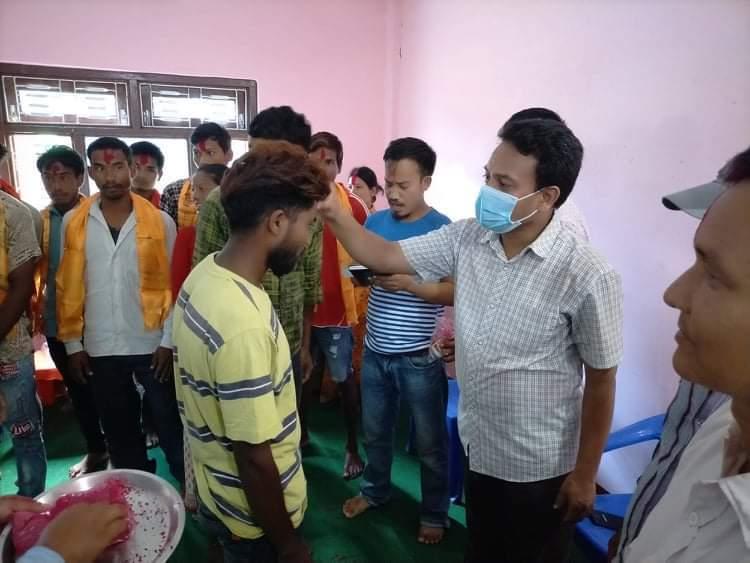 नेपाली काँग्रेसका सक्रिय कार्यकर्ताहरु नेकपामा प्रबेस