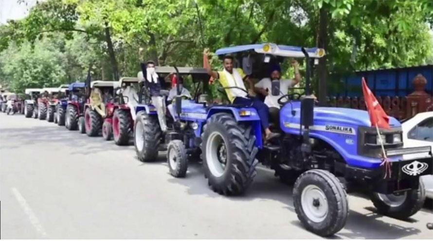 कृषि विधेयकको विरोधमा भारतभर चक्काजाम