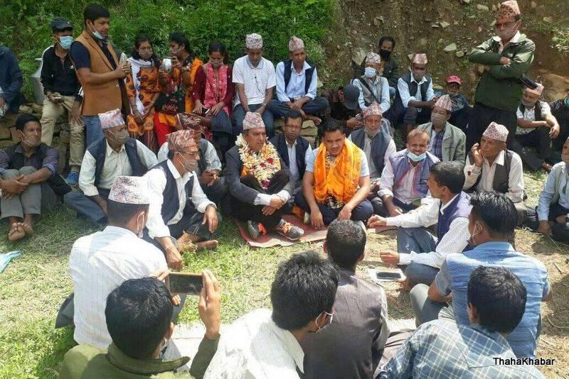 ओखलढुंगामा राष्ट्रिय प्रजातन्त्र पार्टी का जिल्ला अध्यक्ष जगत प्रसाद लुईटेल नेपाल कम्युनिष्ट पार्टी (नेकपा) मा प्रवेश