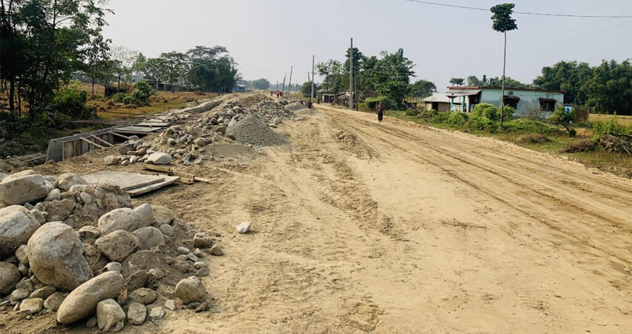 राष्ट्रिय गौरवका राजमार्ग : हल्ला चर्को, काम सुस्त