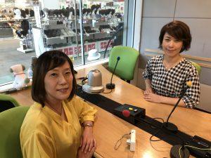 フリーアナウンサーyuiの藤井千代美と奈央美が放送するFMラジオ番組のゲストとのお写真。話し方、コミニュケーション講座、コーチングセッションも受付中です