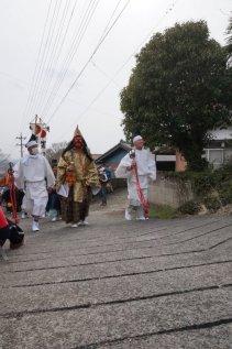神輿渡御を先導する猿田彦