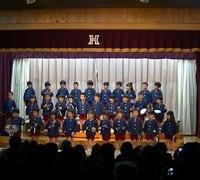 保育園の生活発表会で歌うイメージ