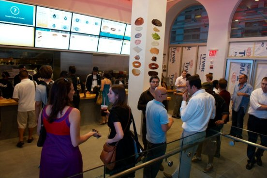 Digital Signage and the Customer Experience