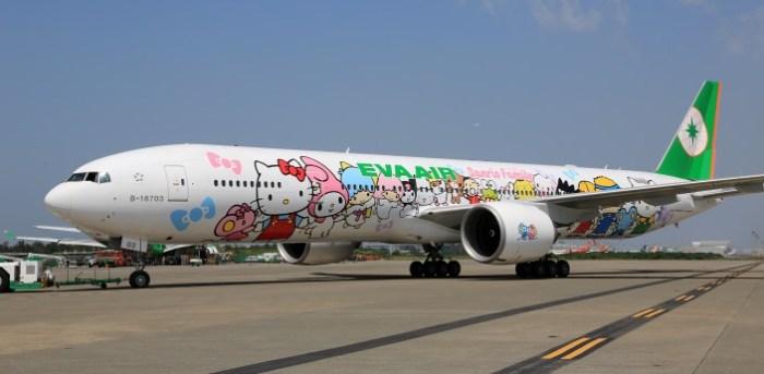 777-hello-kitty-jets-22_tcm30-19893