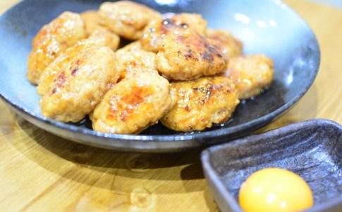 鶏もも肉ミンチで作る簡単ふわふわつくねレシピ★お家で焼き鳥屋さん気分に♪