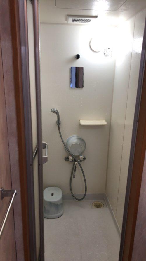 GSにはトラックドライバー専用のシャワーサービスがある