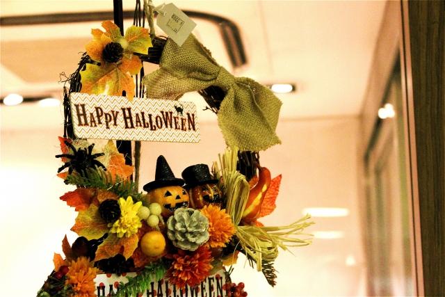 ハロウィン、イベントは仮装で参加するそれとも見物! 近くのイベントを探してみよう。
