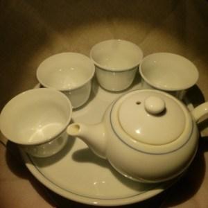 お茶で花粉症対策を!甜茶が選ばれる理由とは?