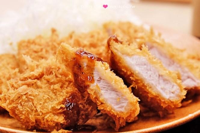 台北車站美食【吉豚屋かつや】平價日本連鎖豬排專門店、台灣1號店、外酥內嫩真的好好吃(HOYII北車站)