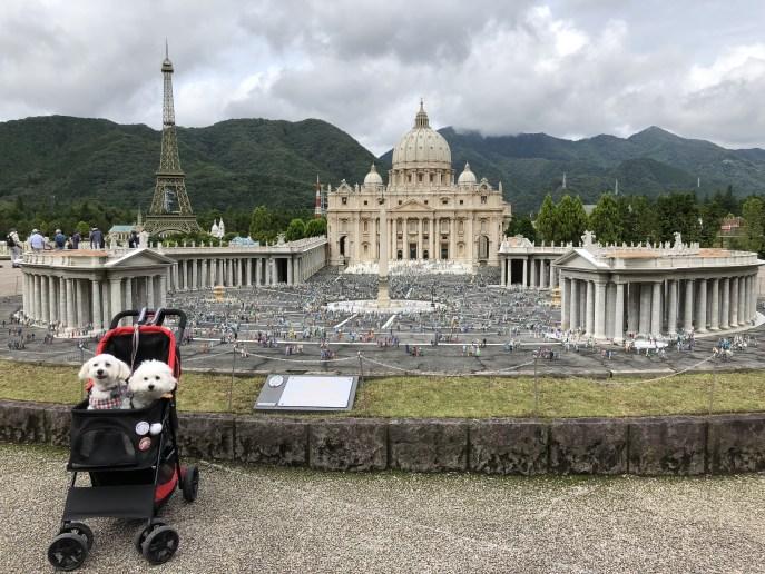 【東武ワールドスクウェア】で犬と一緒に世界を回ろう【日光】 サンピエトロ大聖堂