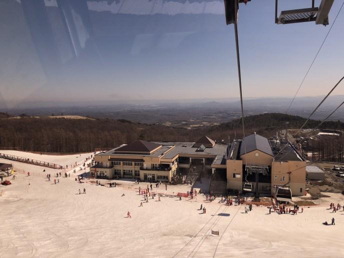 【マウントジーンズ】ゴンドラに乗って行く山頂のドッグラン【那須】 ゴンドラからの眺め