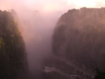 10:02ビクトリアの滝 (2)